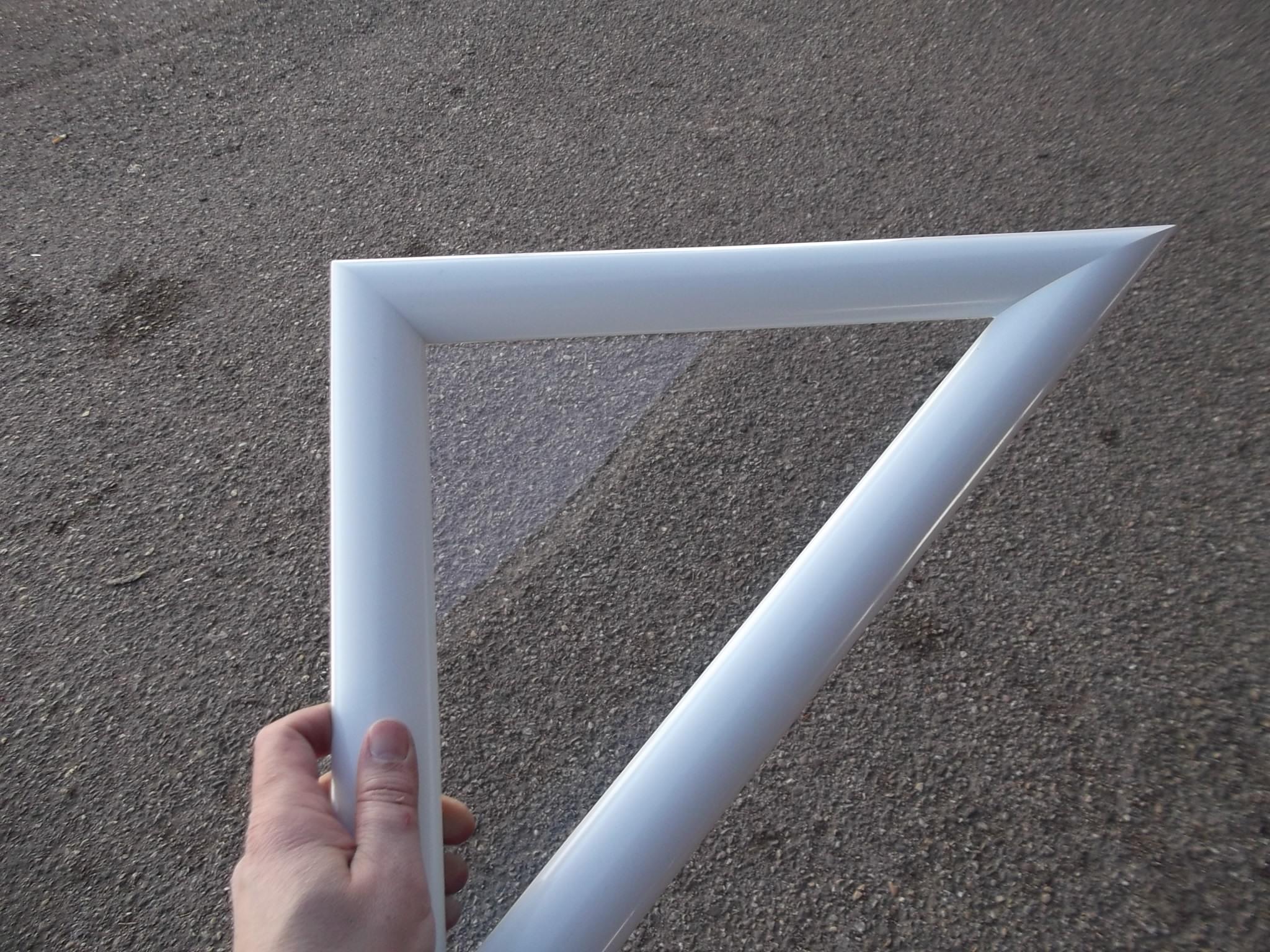 Hublot triangulaire blanc vitres transparentes abc hublots for Hublot pour porte exterieure
